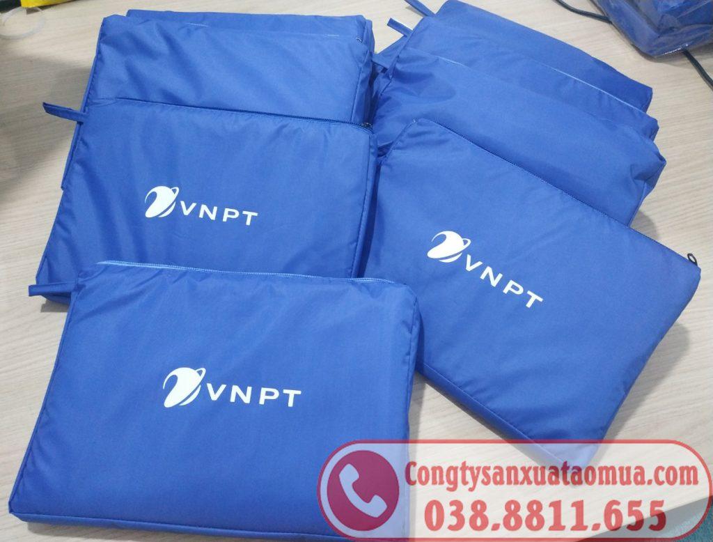 Áo mưa dù Pu siêu nhẹ quà tặng in logo VNPT