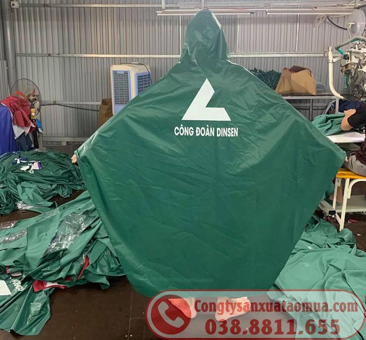Sản xuất áo mưa cho công nhân công đoàn DINSEN