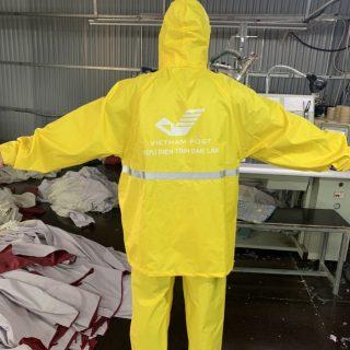 Công ty sản xuất áo mưa quà tặng in logo