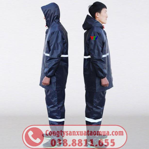 Sản xuất áo mưa bộ 2 lớp vải dù trơn không vân