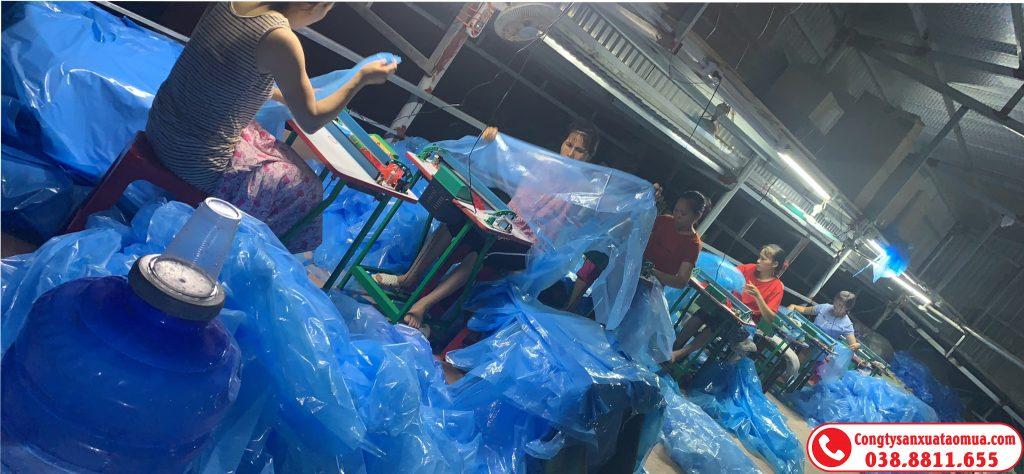 Gia công áo mưa, bộ phòng dịch bằng PE, CPE xuất khẩu Mỹ, Nhật, Hàn