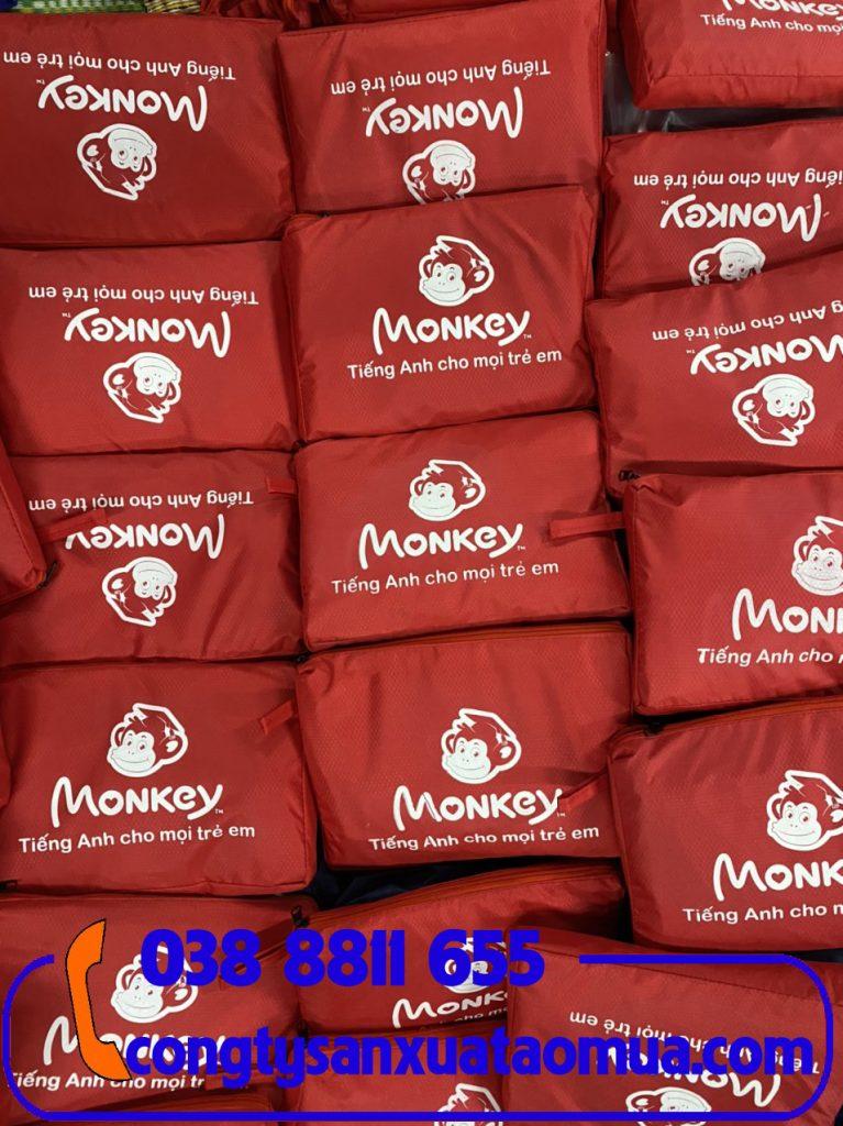 Sản xuất áo mưa quà tặng trung tâm anh ngữ Monkey tại Hà Nội