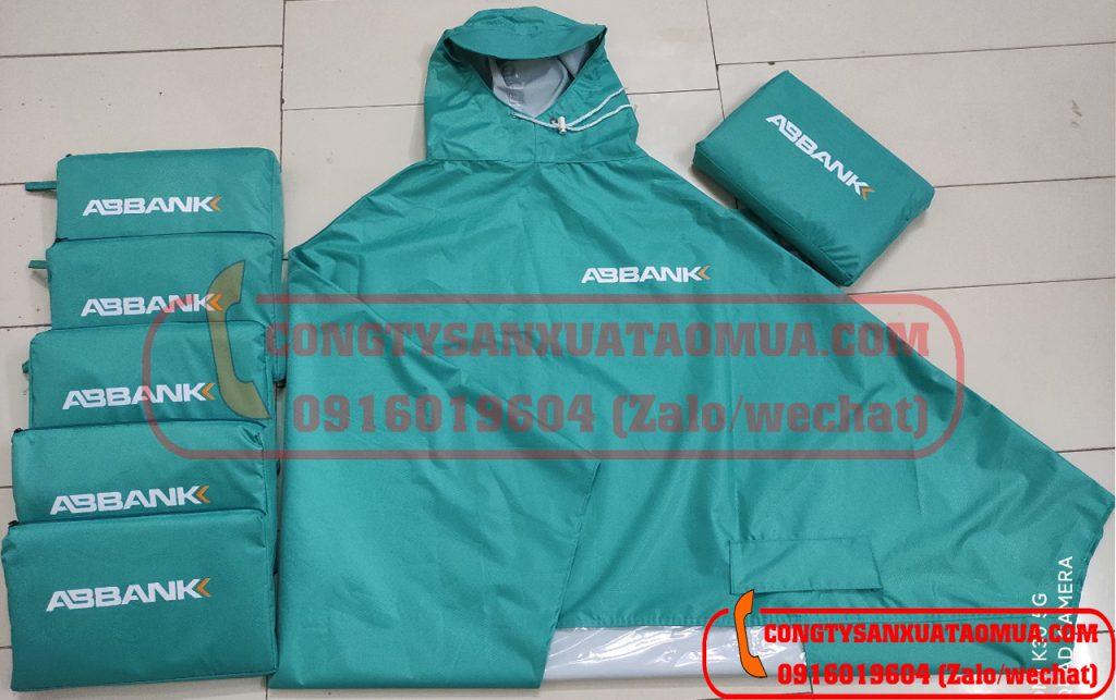 Sản xuất áo mưa choàng quà tặng in logo khách hàng