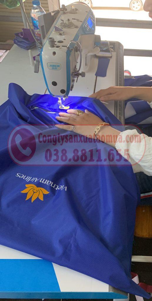 Xưởng trực tiếp cắt may áo mưa tại Hà Nội