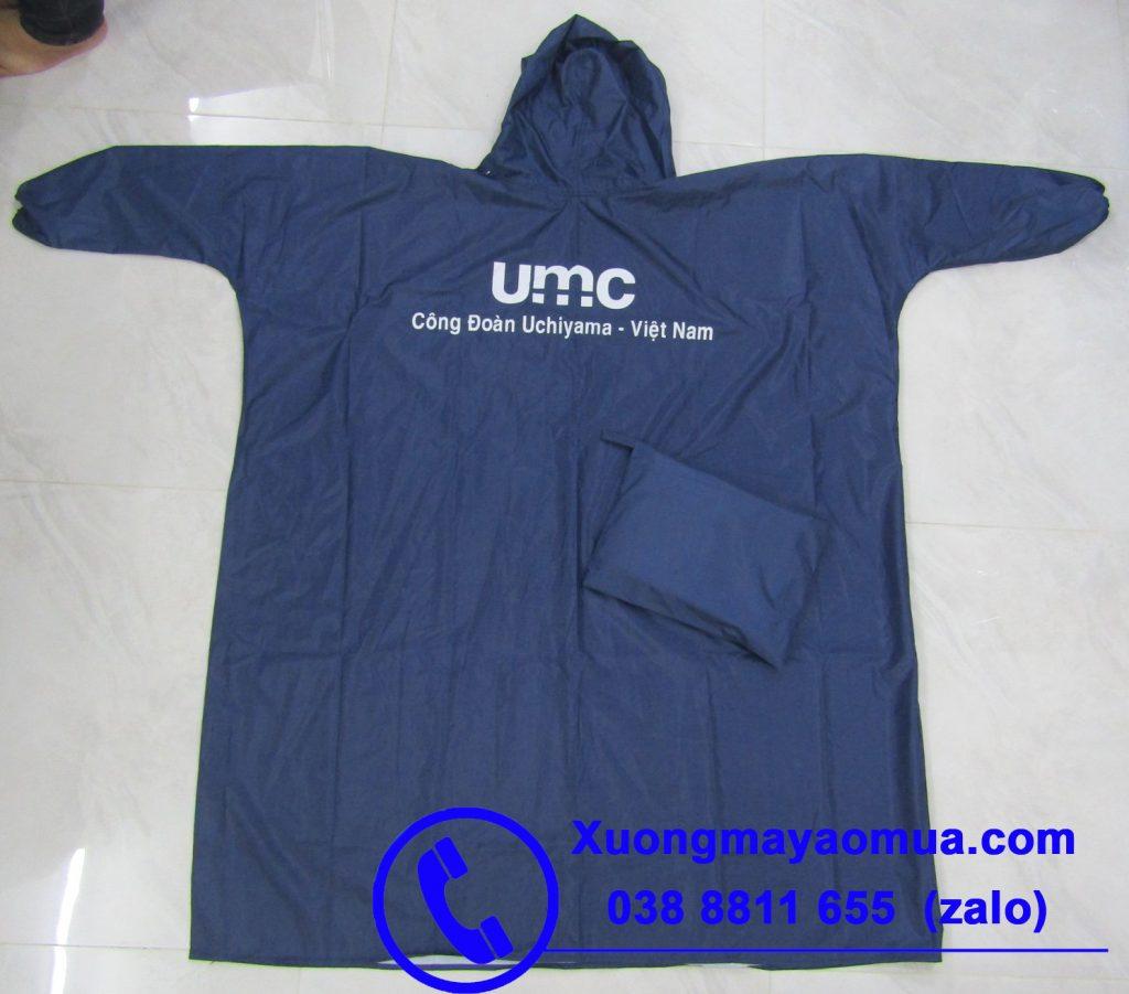 in logo công đoàn công ty lên áo mưa