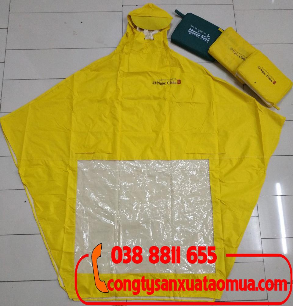 Xưởng nhận đặt hàng sản xuất áo mưa quảng cáo in logo lên ngực áo, lưng áo và túi đựng áo mưa