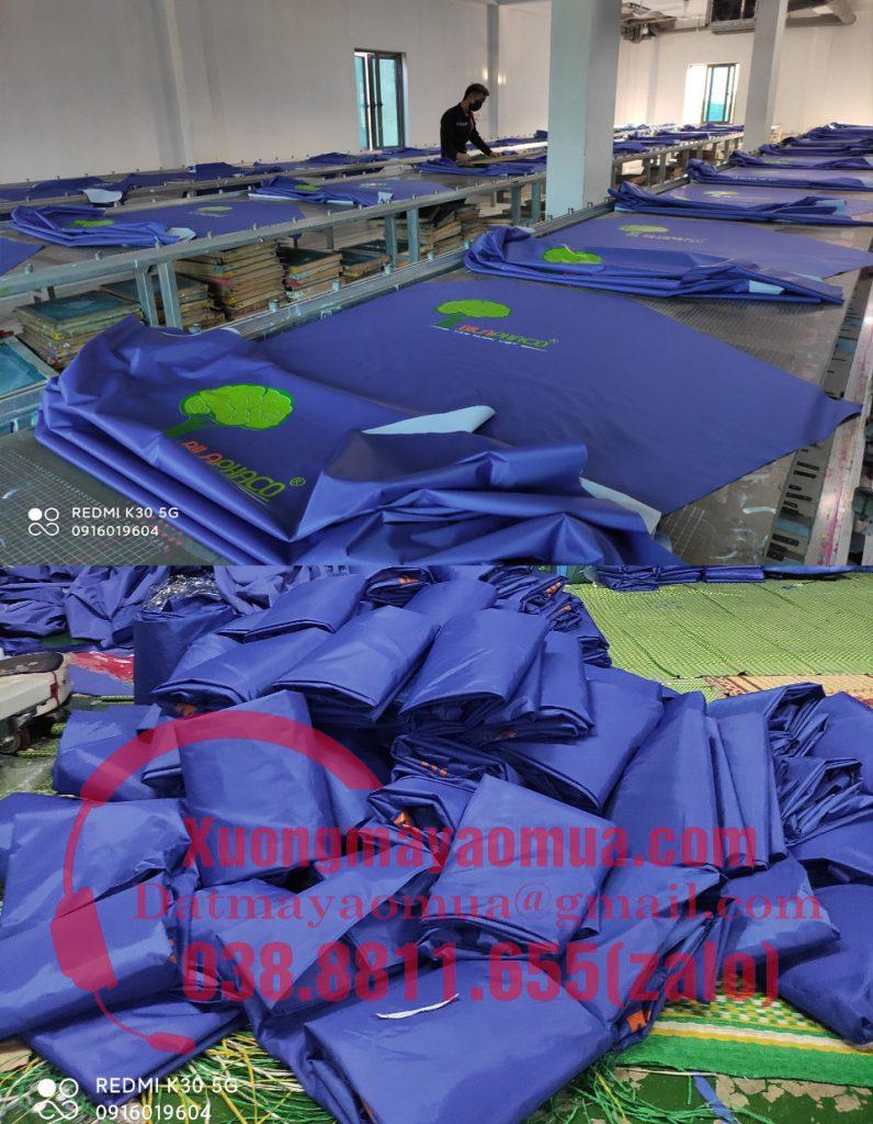nhà cung cấp có xưởng trực tiếp cắt may áo mưa và in logo lên áo mưa theo yêu cầu