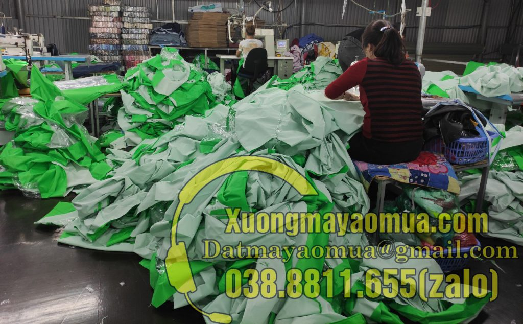 Xưởng sản xuất áo mưa hà nội - Cơ sở trực tiếp cắt may áo mưa