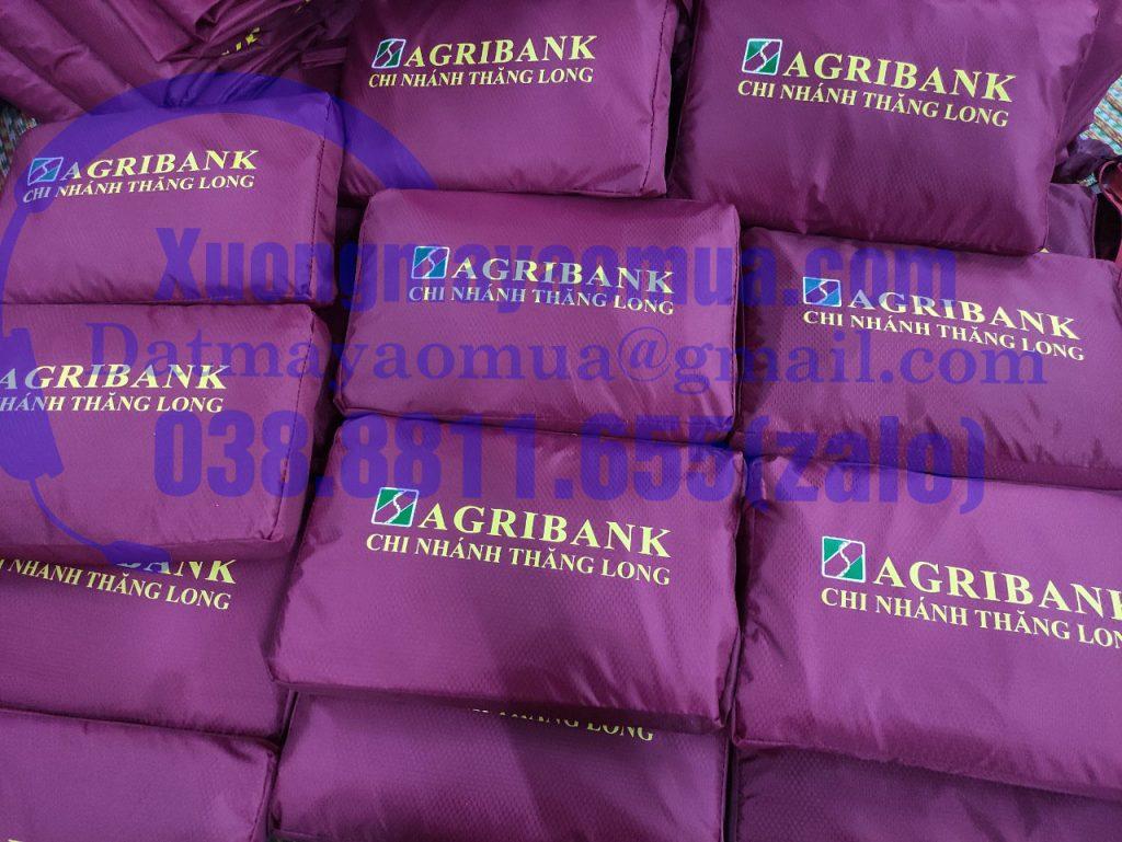 Sản xuất áo mưa in logo ngân hàng agribank chi nhánh Thăng Long